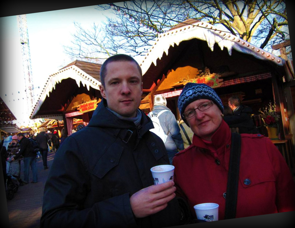 Panu & his mum... and mulled wines.