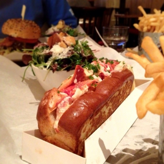 Burger & Lobster: that's all there is on the menu – thecattylife
